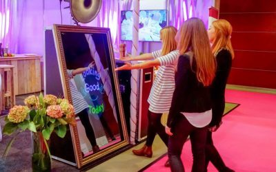 Foto Master's Mirror Me Booth