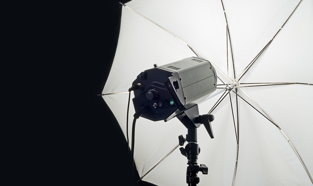 Reflectors, umbrellas and soft boxes
